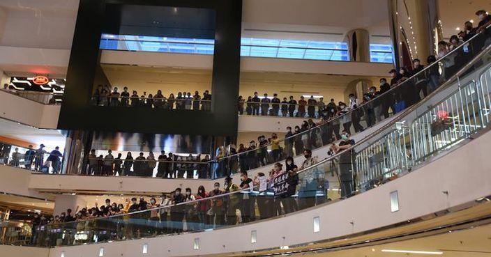郭嘉銓:太古城中心數百人聚集 以警告為主無檢控