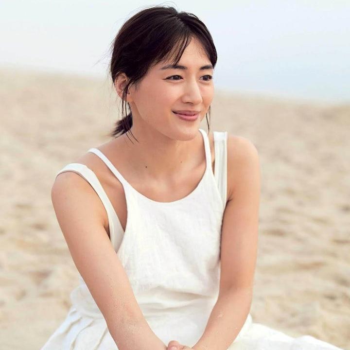 綾瀨遙確診後即入院引發炎上 網民狠批有特權治療優先於重症者